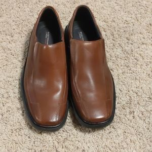 Mens Brown dress shoes size 10 1/2 NWT
